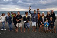 награждаване на състезателите по сърф